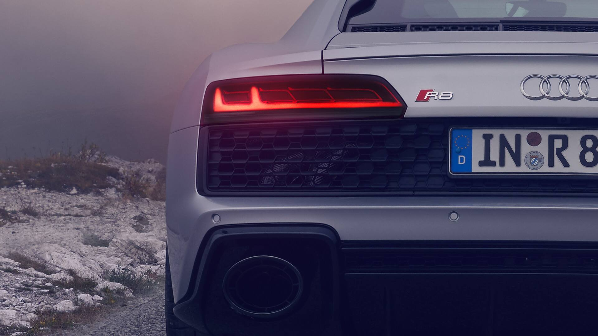 Rear light of an Audi R8 RWD